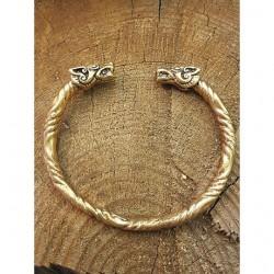Vikingatid armband varghuvud