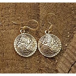 Triskele örhänge i brons