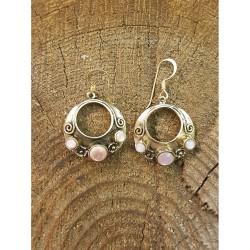 Pärlemo rosa/vit örhängen i...